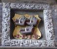 Herb słynnej gdańskiej rodziny Ferberów, znanej z legendy (Ferber-Cerber ma trzy głowy); widnieje w Gdańsku przy ulicy Plebania przy kościele NMP, nad drzwiami do Plebanii Mariackiej. Nadany w 1515 r. W złotym polu trzy głowy dzika z czerwonymi karkami. Klejnot to czarna głowa dzika między złotymi skrzydłami. Maurycy Ferber został biskupem warmińskim, a jego brat Eberhard był burmistrzem Gdańska (jak jego syn i kilku kolejnych członków tego rodu)