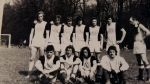 lata 80-te XX w., drużyna piłkarska Sokół Lipowina. Zdjęcie Facebook – Jan Wielgus