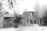 stan pałacu w Lipowinie po pożarze, lata 80-te XX w. Facebook- Braunsberg – Braniewo w opisach i fotografii