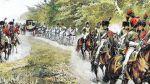 tak mógł wyglądać orszak cesarza. powóz napoleoński w eskorcie strzelców konnych gwardii, którzy często stanowili osobista ochronę Napoleona.