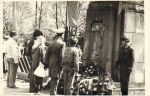 Jedno z nielicznych dostępnych zdjęć z lat 70-tych XXw. z uroczystości na cmentarzu