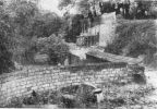 1965. Tak to wyglądało również w innych miejscach, w tym przypadku remont międzymurza przedzamcza zamku ze strony wschodniej. Fotografia Z. Nawrocki