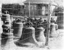 1951. Cmentarzysko dzwonów w Hamburgu, wśród dzownów braniewski