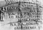 1951. Łacińskie napisy na braniewskim dzwonie. Cmentarzysko w Hamburgu
