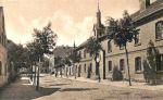 szpital św. Andrzeja, który znajdował się przy ul. Institutstrasse, później nazwaną Seeligerstrasse. Obiekt po działaniach wojennych w 1945 r. rozebrano, a obecnie ulica nosi nazwę Armii Krajowej i w tym miejscu stoi blok mieszkalny. Działkę miasto wykupiło po kilku innych nieudanych próbach w 1837 r. był tam dom pasterski i ogród niejakiego Kuhna. Placówka szpitalna mieściła się tam w latach 1837-1849, po czym dom rozebrano i wybudowano tam szpital nazwany szpitalem św. Andrzeja. Zdjęcie z początku XX w.