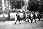 25.07.1947 r. w Elblągu na stadionie sportowym przy ul. Agrykola odbyła się uroczystość nadania i poświęcenia sztandaru dla 55 Pułku Piechoty. Defilada pododdziałów 55 pułku wzdłuż al. Grunwaldzkiej na zakończenie uroczystości. Źródło: Elbląg i elblążanie w fotografii własnej.