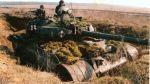 """T-55 AM Merida – zmodernizowany czołg T-55 m.in. wyposażony  w system kierowania ogniem – SKO """"Merida"""" opracowany w WAT oraz szereg modyfikacji, w tym: wykrywacz promieniowania laserowego, wyrzutnie pocisków dymnych, itp.  Po przejściu badań technicznych w 1985r. rozpoczęto seryjną modernizację czołgów wykorzystując najmniej wyeksploatowane czołgi T-55A. Łącznie zmodernizowano 630 czołgów, z których pierwsze trafiły do: 51, 1  i 60 Pułków czołgów oraz 55 Pułku Zmechanizowanego. Ostatnie egzemplarze wycofano w 2000r. Na zdjęciu czołg T-55AM Merida ze składu 16 Kaszubskiej Dywizji Pancernej"""