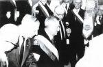 8.04.1989 ceremonia wbijania gwoździ w drzewiec sztandaru Batalionu Zośka. Od lewej: Jerzy Weiss ps. Biały (1926-2001) z IV plutonu 1 kompanii, Józef Nowocień ps. Konrad (1920-2004) z II plutonu 3 kompanii, Stanisław Rybka ps. Ryś (1915-1993) oficer Zgrupowania Kryska i Kazimierz Łodziński ps. Markiz (1922-2011) z III plutonu Felek z 2 kompanii Rudy.