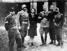 Major Barry (drugi z lewej) i płk Wachnowski dowódca Grupy Północ (czwarty)