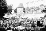Amfiteatr i Baszta Prochowa w trakcie tzw. Piwowarów. Lata 90-te XX w.  Zdjęcie ze strony Braniewo w fotografii.