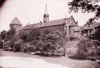 15.Zdjęcie z początku XX w. Widoczny kościół gimnazjalny, tzw. skrzydło zachodnie i Wieża Klesza. Należy podkreślić fatalny stan w porównaniu z dniem dzisiejszym murów obronnych.