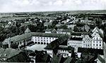 przedwojenna pocztówka z widokiem na Hosianum i widoczną z gmachem Wieżę Kleszą