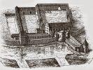 Zamek biskupi w Braniewie. Widać wystające za mur tzw. gdanisko, czy też dansker. Był to wykusz lub wieża usytuowana na zewnątrz linii murów obronnych i połączona z zamkiem krytym, biegnącym na wysokości pierwszego piętra, gankiem, który miał formę krytego przejścia wspartego na arkadach). Gdanisko występowało w średniowiecznych przede wszystkim krzyżackich zamkach warownych i pełniło funkcję wieży ustępowej (latryny). Zaopatrzone w strzelnice pełniły również funkcje obronne spełniając rolę dodatkowej wieży, wysuniętej przed obwód murów zamkowych. Gdaniska budowano tak, by wszystkie nieczystości ze znajdujących się w nim szaletów spadały do fosy, odprowadzenie ich zapewniała płynąca poniżej woda.