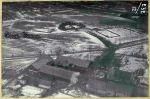 fotografia przedstawiająca rezultat ataku szturmowców na folwark w rejonie na północny-zachód od Pieniężna wykonany w dniu 15.02.1945r. przez grupę mjr Kozenkowa z 136GSzAP