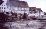 Widok zamku od strony płd.-zach. Wygląd przed przebudowa, która nastąpiła rok później. Fotografia z 1873 R.Schubert.
